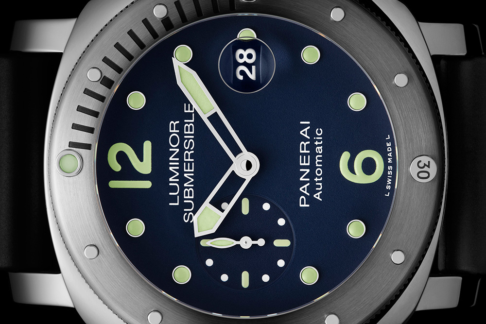 Panerai Luminor Submersible Automatic Acciaio PAM00731 - timeandwatches